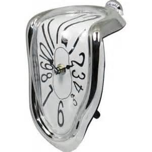 Reloj deformado