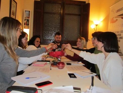Participantes de los torneos de invierno de los talleres de escritura creativa de LIBRO, VUELA LIBRE en Valencia