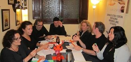 Ejercicios para generar textos surrealistas en los talleres de escritura de Libro vuela libre en Valencia